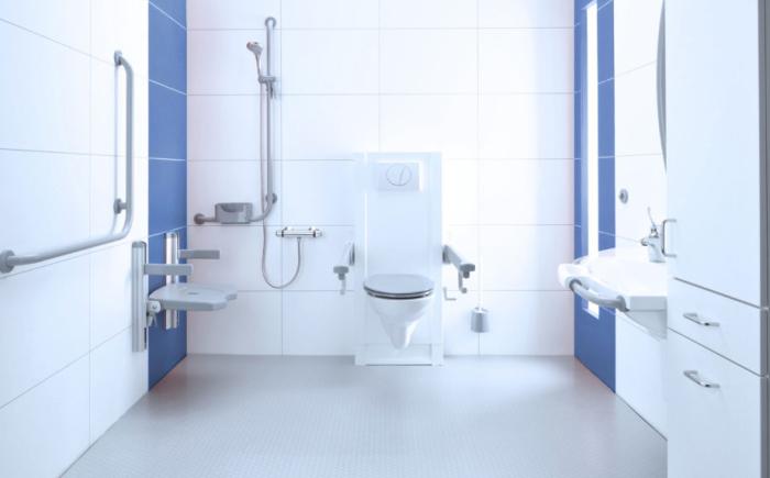 Wandbeugels in aangepaste badkamer