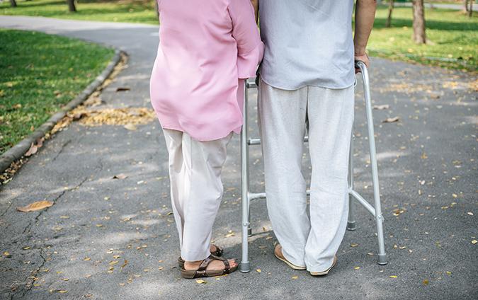 Wat zijn hulpmiddelen voor ouderen?