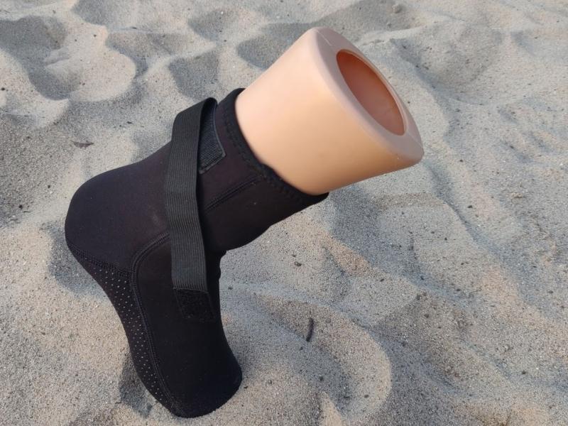 sandsocks, sand socks, beachsocks beach socks, beachsokken hoog, neopreen, zwart, zandsokken, beachvolleybal, beachtennis, beachhandbal warme voeten beachsport waterschoenen, zwemsokken, duikschoenen, surfschoenen, kiteschoenen, watersportschoenen