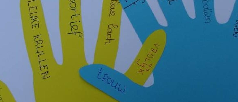 zelfbeeld-afsluitoefeningen handafdrukken voor einde schooljaar.