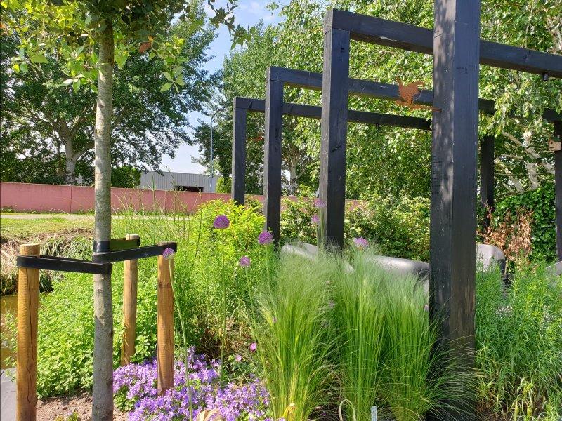 Pergola en beplanting achtertuin Lisserbroek