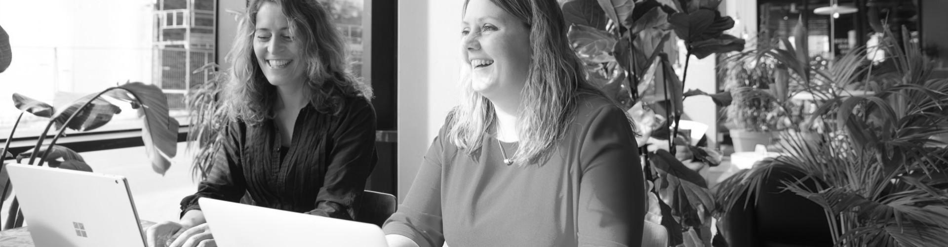 Alida Lucia Wolters en Muriël Courtin van Berim, specialist in persoonlijke ontwikkeling.