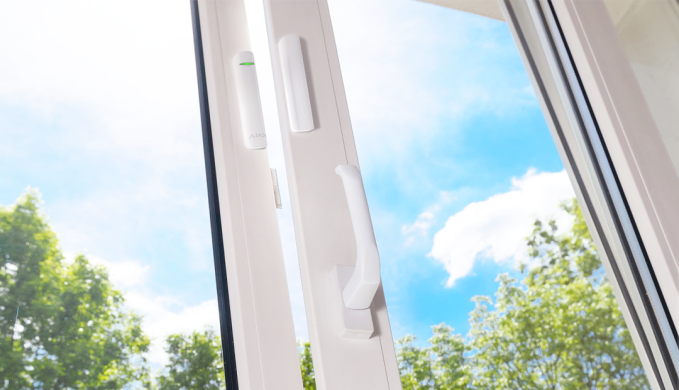AJAX DoorProtect Plus where to mount