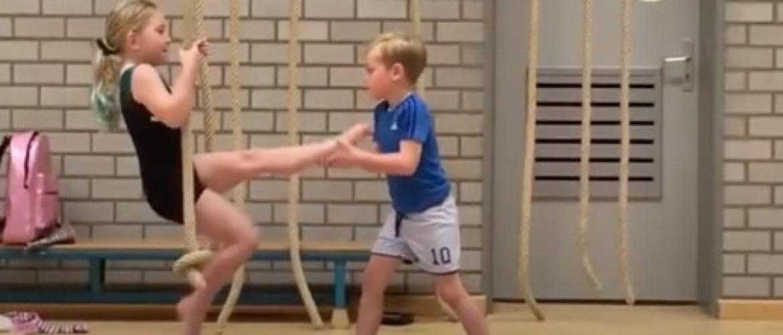 Duikelen: hoe leer je het de kleuters aan in de gymles?