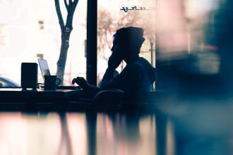 Wat te doen als je meest negatieve collega het meest wordt gewaardeerd