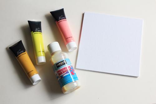 Acryl Paint Pour 1