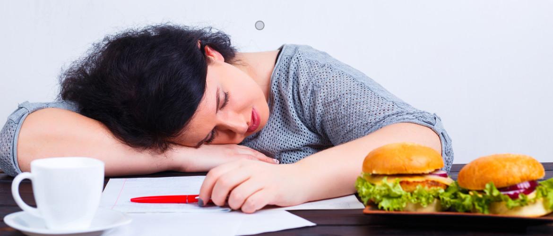 Hoe je omgeving je (eet)-gewoontes beïnvloedt + TIPS