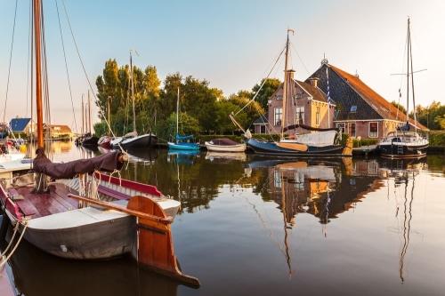 Groepsaccommodatie in Friesland in de buurt van het water voor watersport