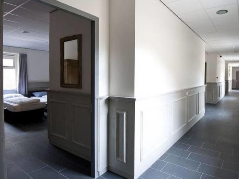 groepsaccommodaties voor zorggroepen en invaliden met extra brede deuren