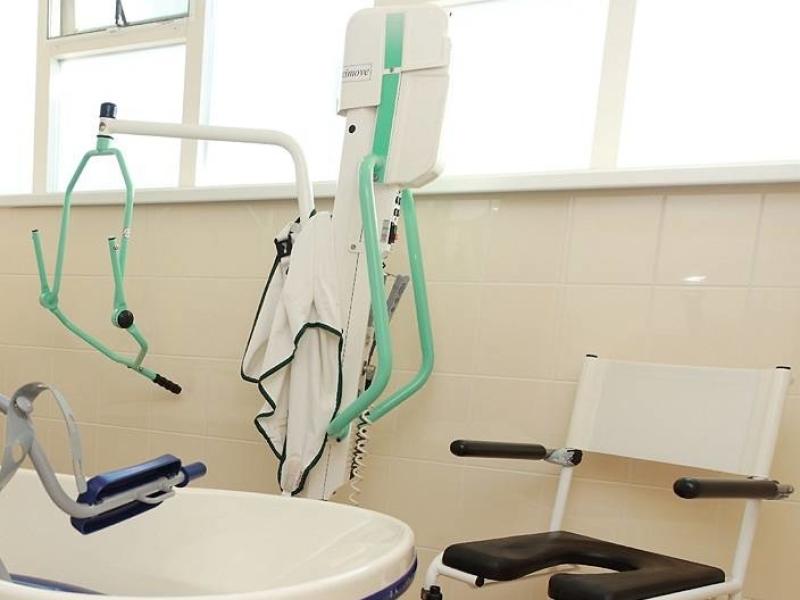 groepsaccommodaties voor zorggroepen met tillift en badlift