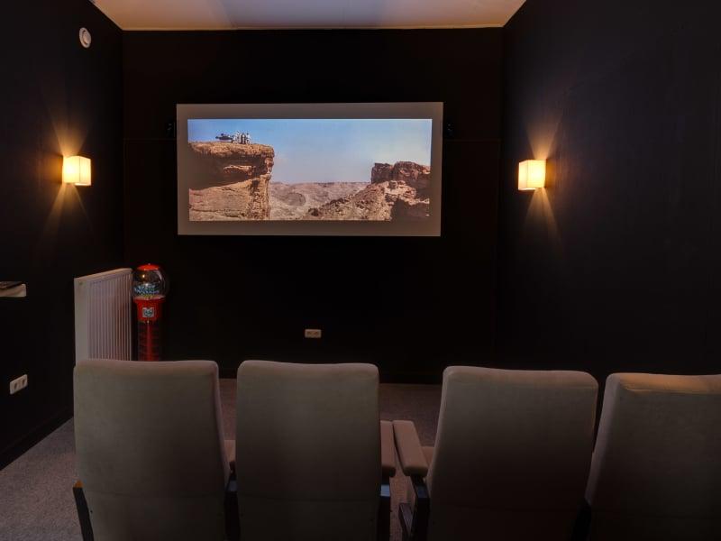 accommodatie met binnen bioscoop