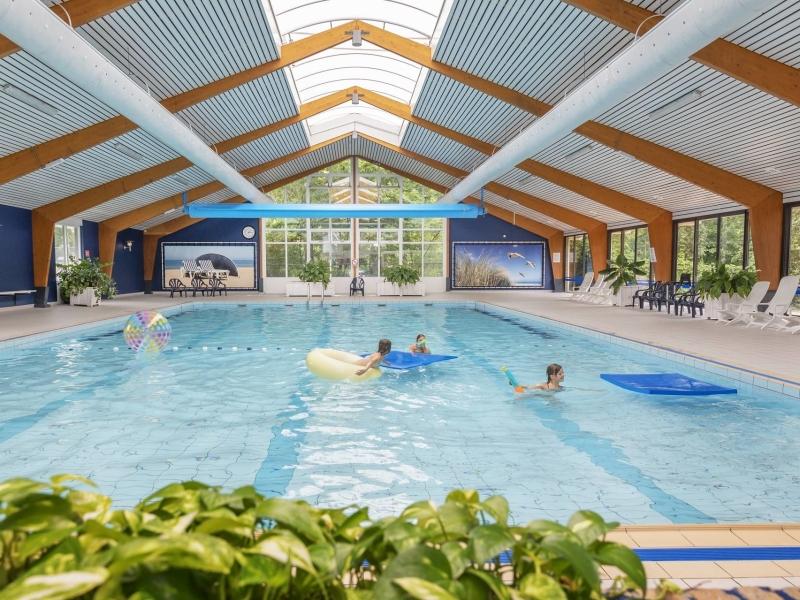 groepsaccommodatie 30 personen met een overdekt zwembad