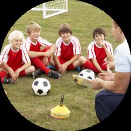 groepsaccommodatie voor sportclubs en verenigingen met sportveld
