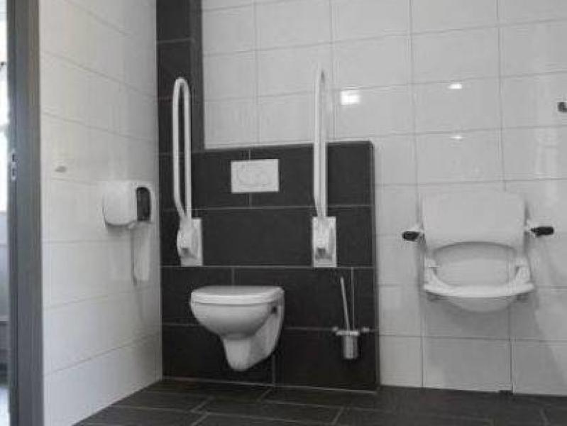 groepsaccommodaties voor zorggroepen en invaliden met aangepast sanitaire voorzieningen