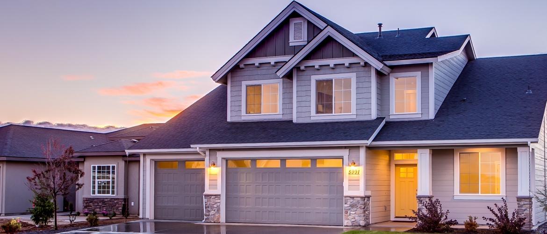 Een dakopbouw op een garage plaatsen. Hoe kan je dat het beste doen?