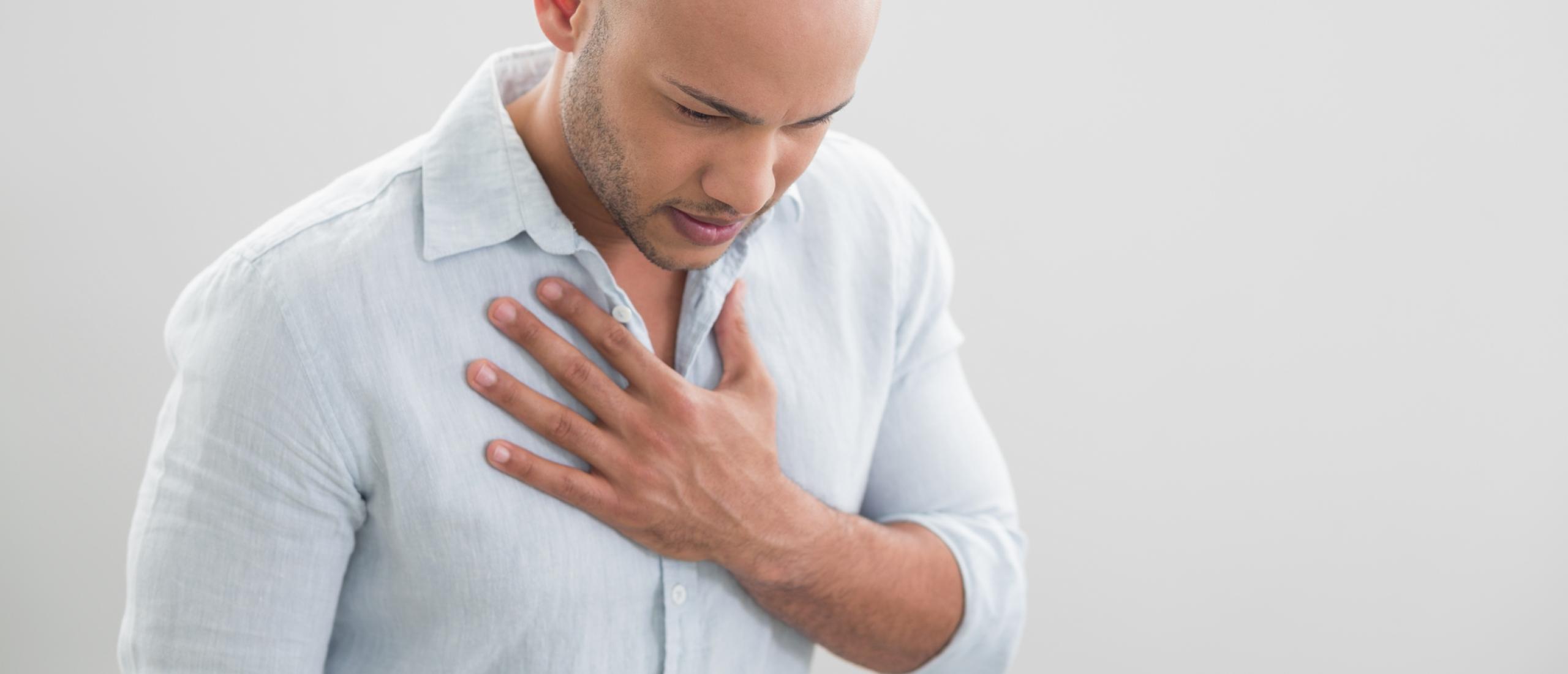 Pijn het middenrif door stress oplossen en verminderen