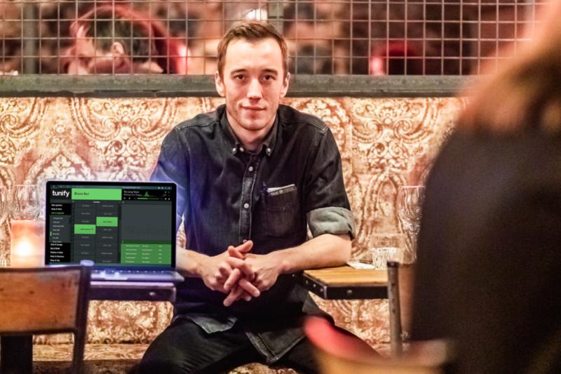 Music provider Tunify werkt samen met restaurant Black SMoke