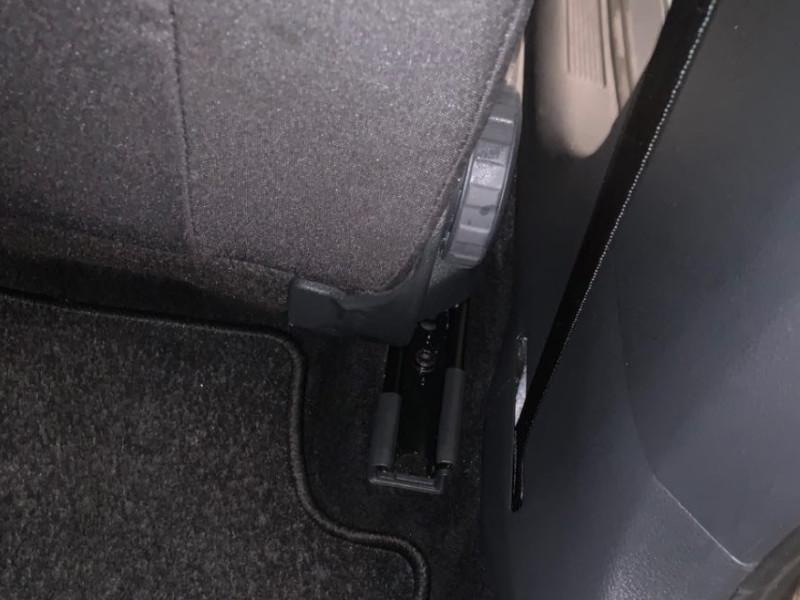 achterkant autostoelen schoonmaken