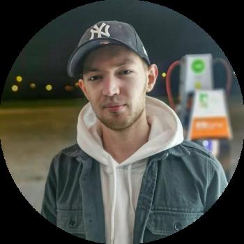 Jelline Brands / https://www.mijntransformatie.nl/geld-verdienen-met-youtube-waar-moet-je-aan-denken/