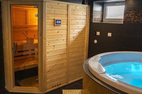 Heerlijk zwemmen in je eigen prive zwembad of sauna
