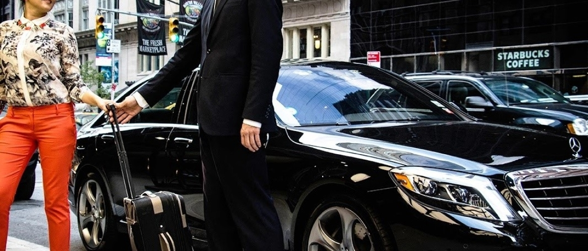 3 Top Reasons to Use a Chauffeur Service for Airport Transfers