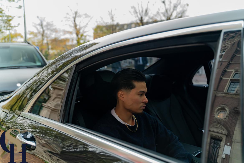 Mercedes-black-luxury