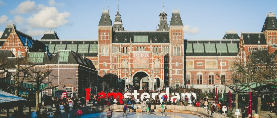 Why You Must Book A Limo Service For Events in Amsterdam