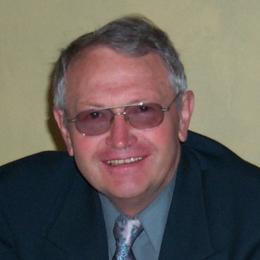 Collum terapeuta Jozef Eugeen VAN DEN OUWELAND