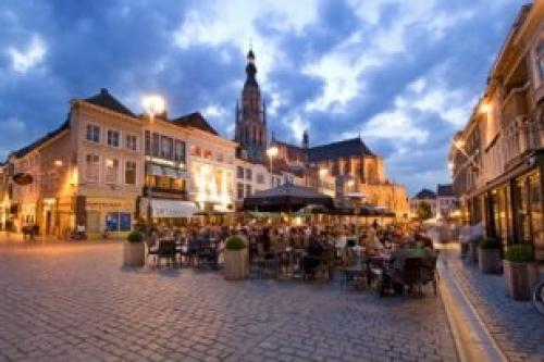 Afbeelding van de stad Breda (Warenmarkt Grote Markt)