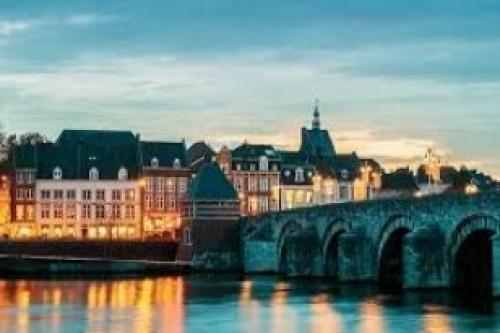 Afbeelding van de stad Maastricht (Sint Servaasbrug)