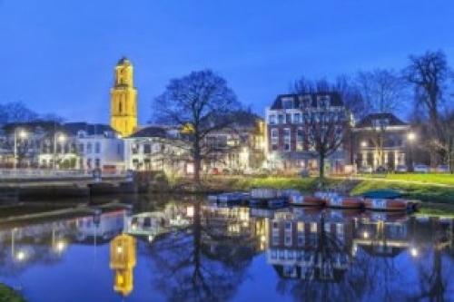 Afbeelding van de stad Zwolle (Peperbus bij zonsondergang)