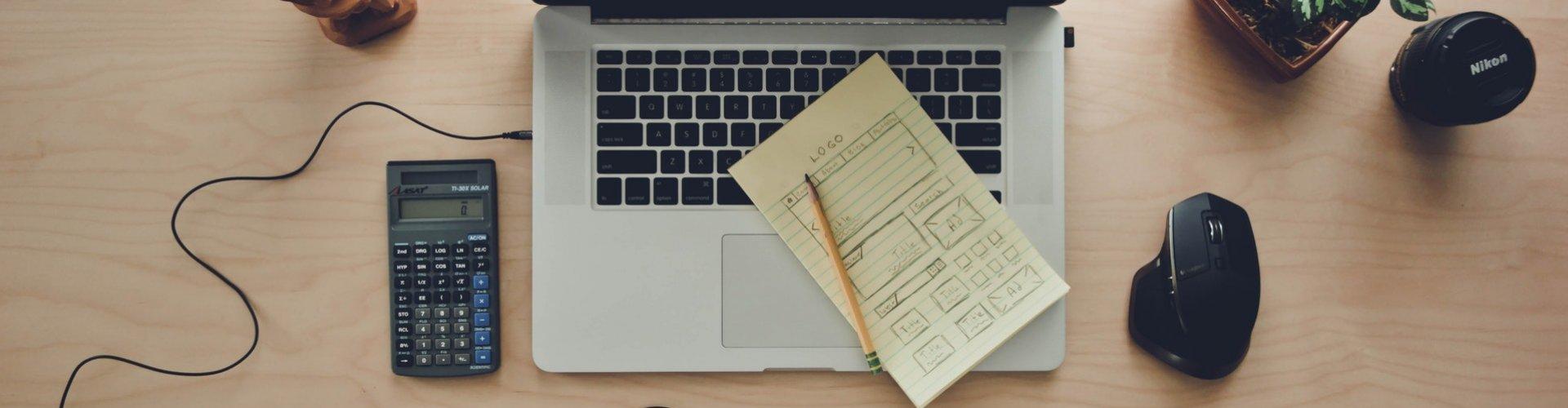 Plaatje van een bureau van constructieberekeningen