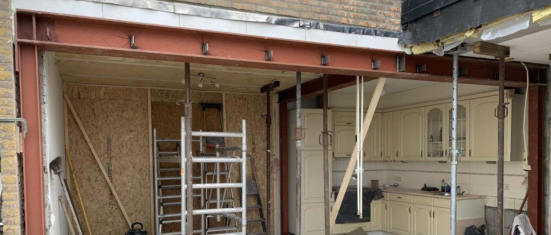 Hoelang duurt het plaatsen van een stalen balk en stalen portaal?