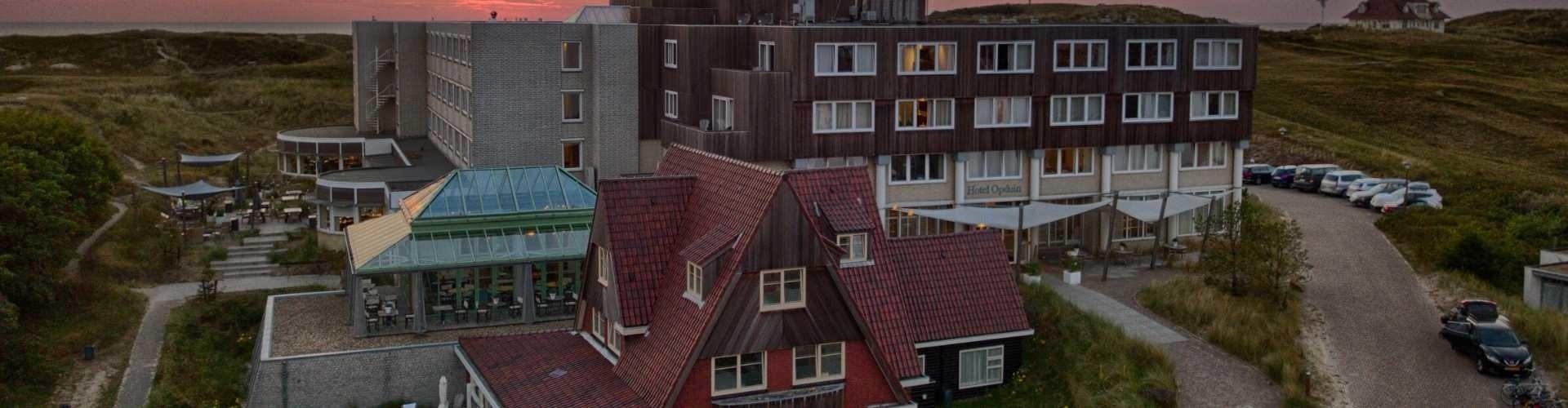 hotel opduin texel vanuit de lucht