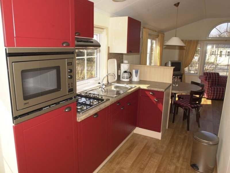 rijk uitgeruste keuken in chalet texel