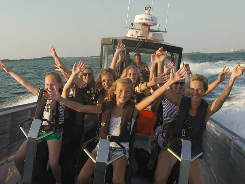 de powerboat is voor jong en oud geschikt