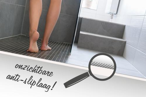 Vloercoating Aanbrengen Voor Gladde Vloertegels In De Badkamer
