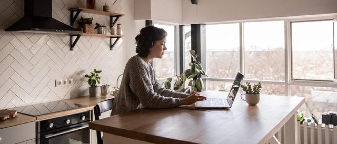 Meer last van lichamelijke klachten door thuiswerken