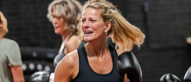 Waarom kickboksen juist voor vrouwen belangrijk is
