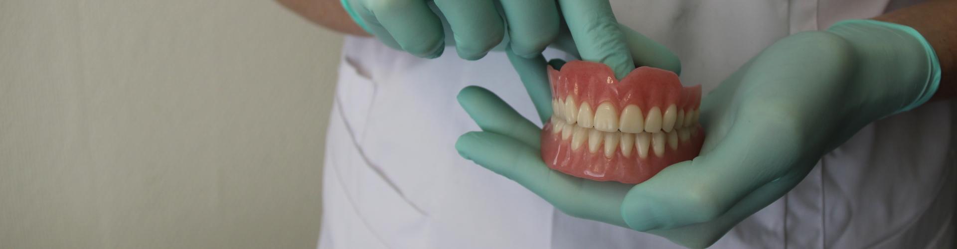 Kunstgebit De Saense Tandmeesters