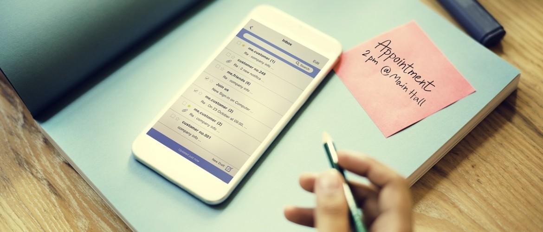 Platte tekst e-mail of e-mail met huisstijl?