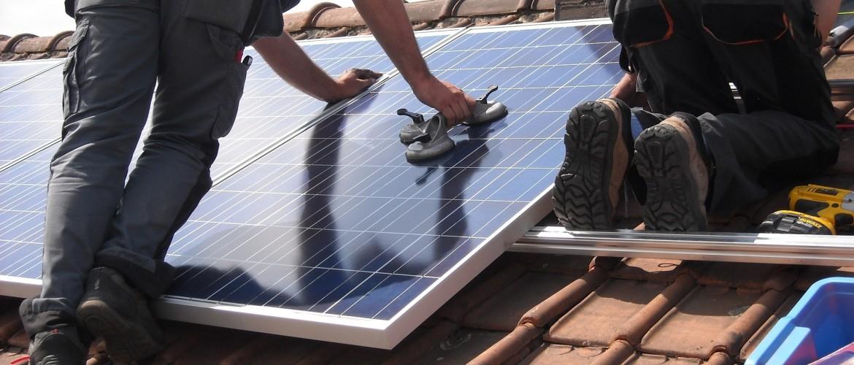 Zonne-energie loont, want de salderingsregeling op zonnepanelen blijft!