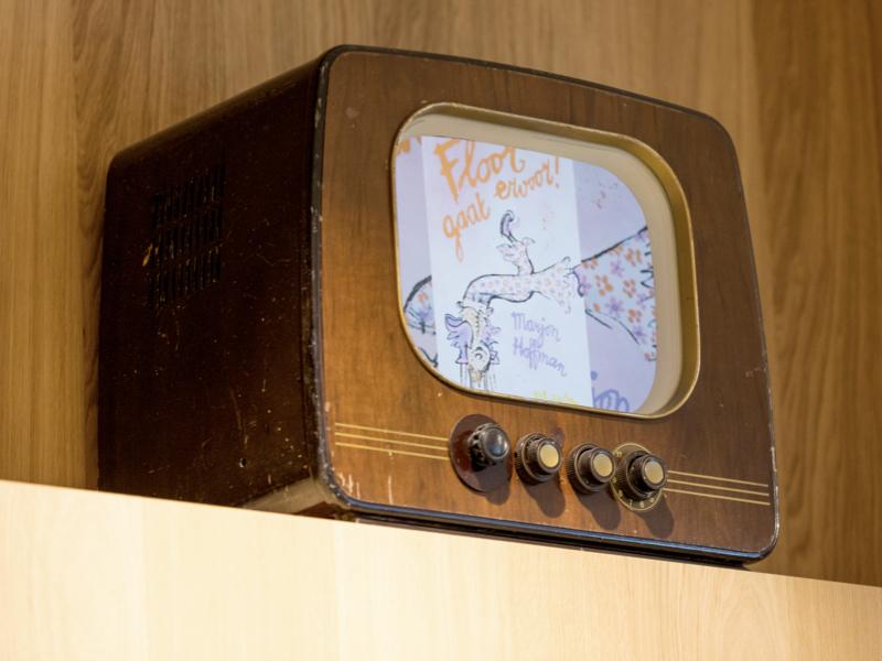 moderne narrowcasting in retro televisies