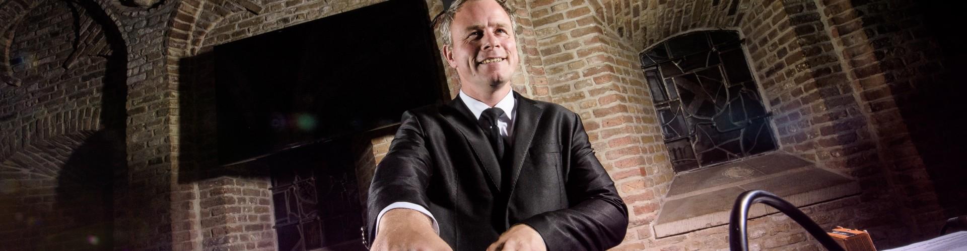 Verjaardagsfeest inhuren DJ Johan Post boeken zoals hier in het Oude Stadhuis van Gouda
