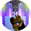 Lounge DJ Johan Post kies voor een vriendelijke, attente dj hier in actie tijdens bruiloft in het Wereldmuseum te Rotterdam