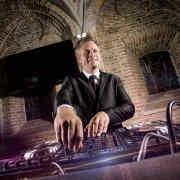 Prijzen Allround DJ Johan Post inhuren of boeken hier tijdens bruiloft in het Oude Stadhuis te Gouda