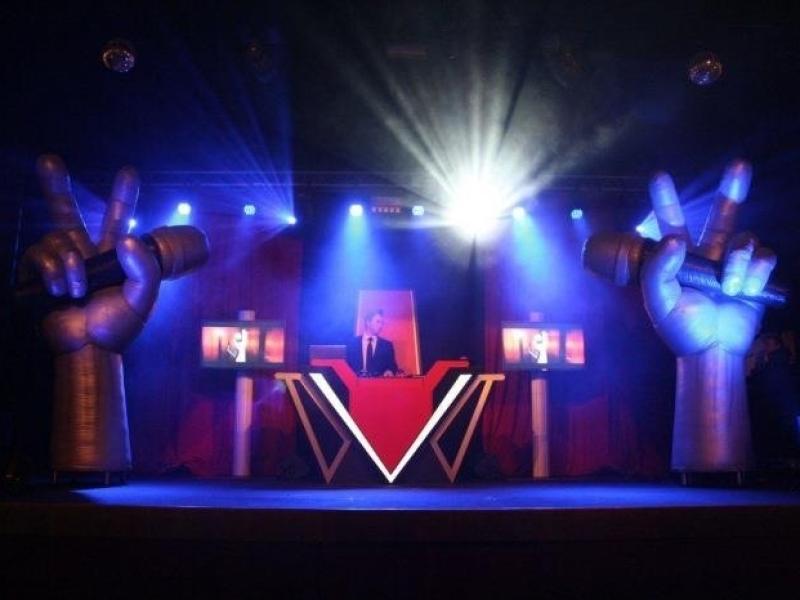 Allround DJ Johan Post boeken voor openbaar evenement zoals hier met TVOH on Tour in Preston Palace te Almelo