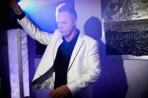 DJ Johan Post inhuren of boeken voor onvergetelijk verjaardagsfeest in Gouda