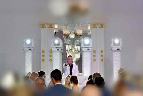 Bruiloft DJ Johan Post inhuren of boeken hier tijdens exclusief huwelijksfeest in het Wereldmuseum te Rotterdam