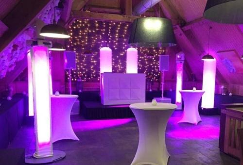 DJ-show in Alphen aan den Rijn huren DJ Johan Post boeken in de feestzaal van De Schaapskooi